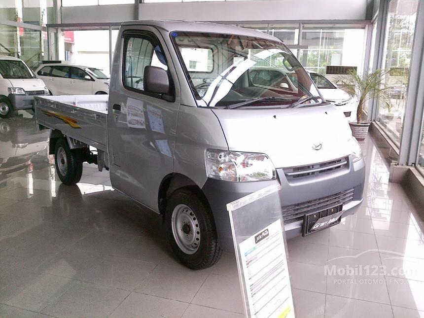 2014 Daihatsu Xenia MPV Minivans