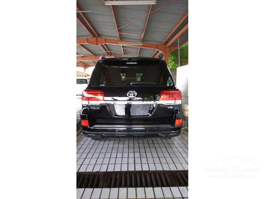 2016 Toyota Land Cruiser Full Spec E SUV