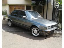 1990 BMW 318i 1.8 1.8 Manual Sedan jual cepat nego