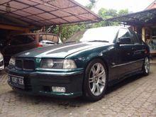 1992 BMW 318i 1.8 1.8 Manual Sedan