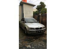 2002 BMW 318i 2.0 Sedan