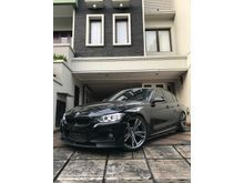 2014 BMW 320i 2.0 Luxury Sedan