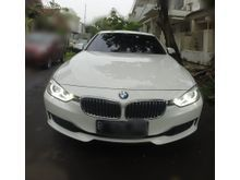 2012 BMW 320i 2.0 Luxury Sedan