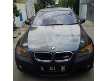 2009 BMW 320i 2.0 Sedan, modif, tipe paling tinggi LCI (layar tengah)