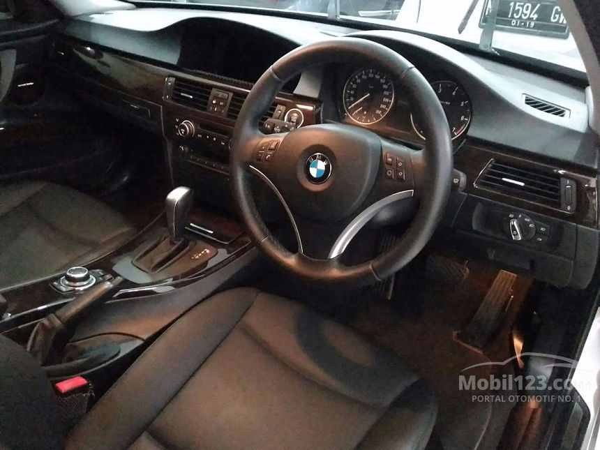 Jual Mobil BMW 320i 2010 2.0 Automatic Sedan Silver Rp 285 ...