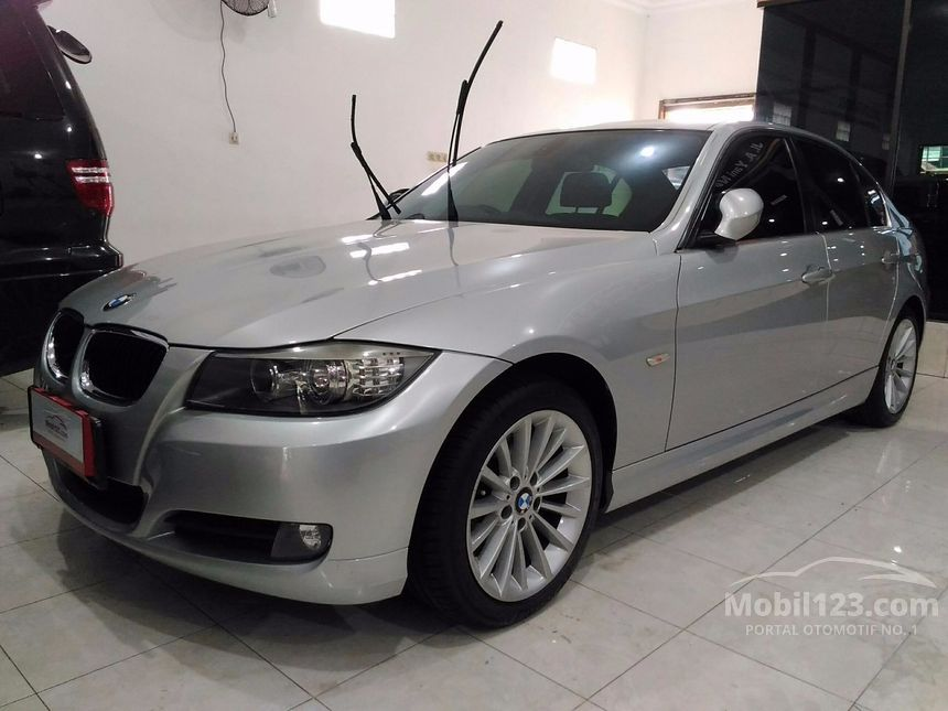Jual Mobil BMW 320i 2010 2.0 Automatic Sedan Silver Rp 285 ...