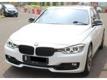 2014 BMW 328i 2.0L F30 Sport Putih Sedan Bertenaga Sangar