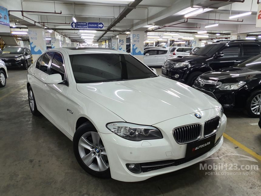 2013 BMW 528i F10 Sedan