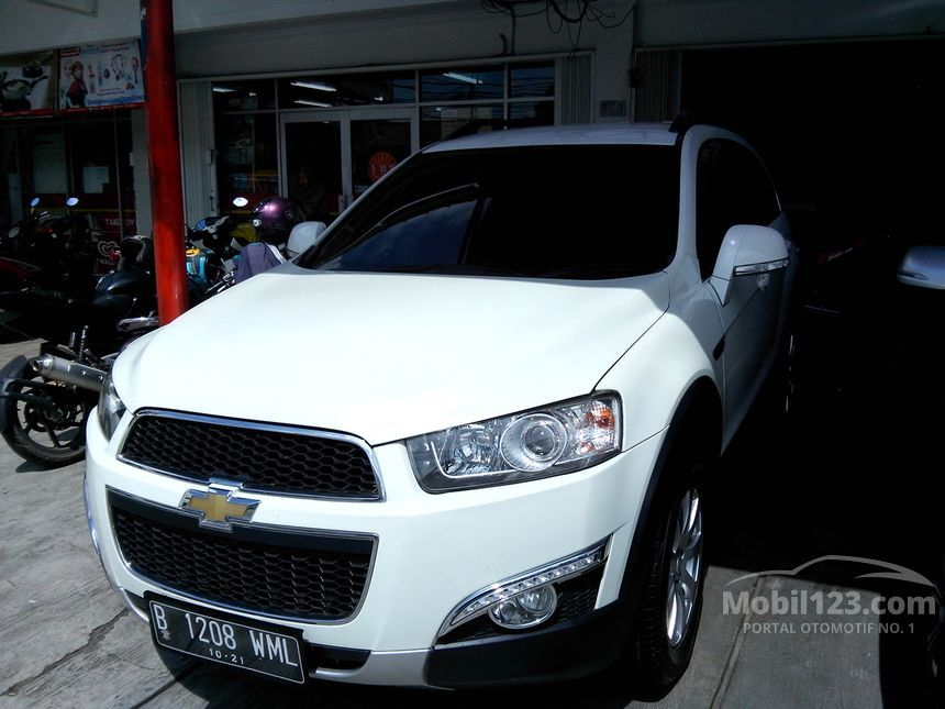 2012 Chevrolet Captiva Pearl White SUV