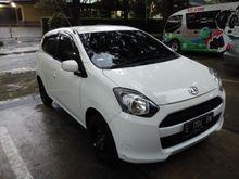 Over kredit 2014 Daihatsu Ayla 998 M Hatchback cicilan murah