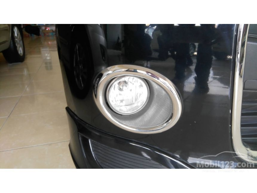 2013 Daihatsu Ayla X Elegant Hatchback