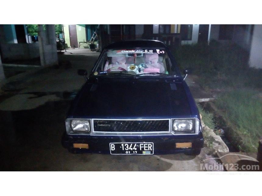 1982 Daihatsu Charade Sedan