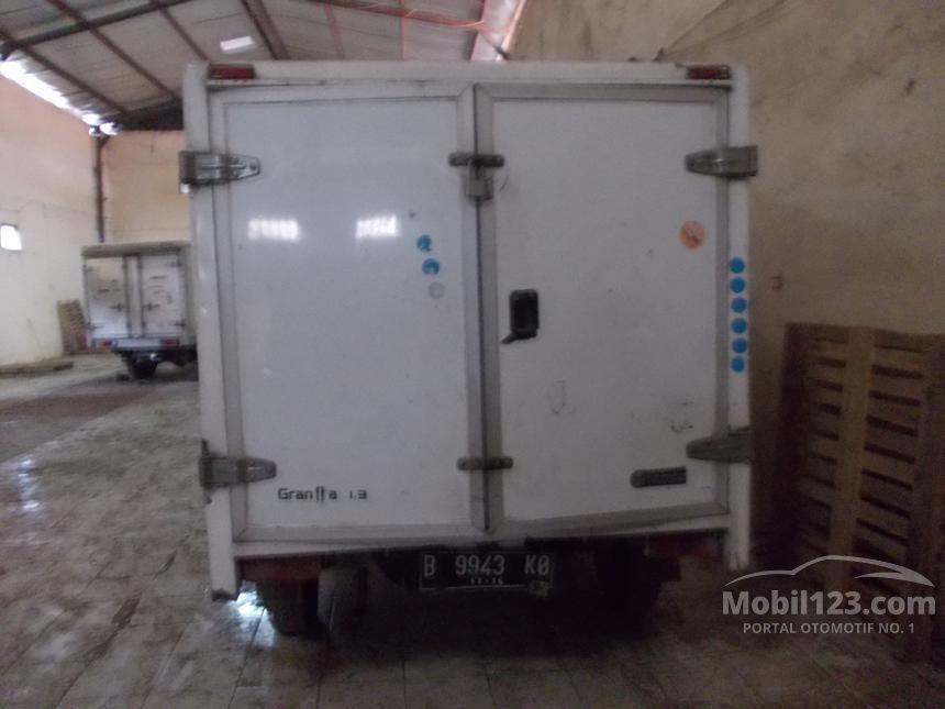 2011 Daihatsu Gran Max Box Box