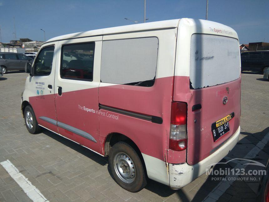 2009 Daihatsu Gran Max D Van