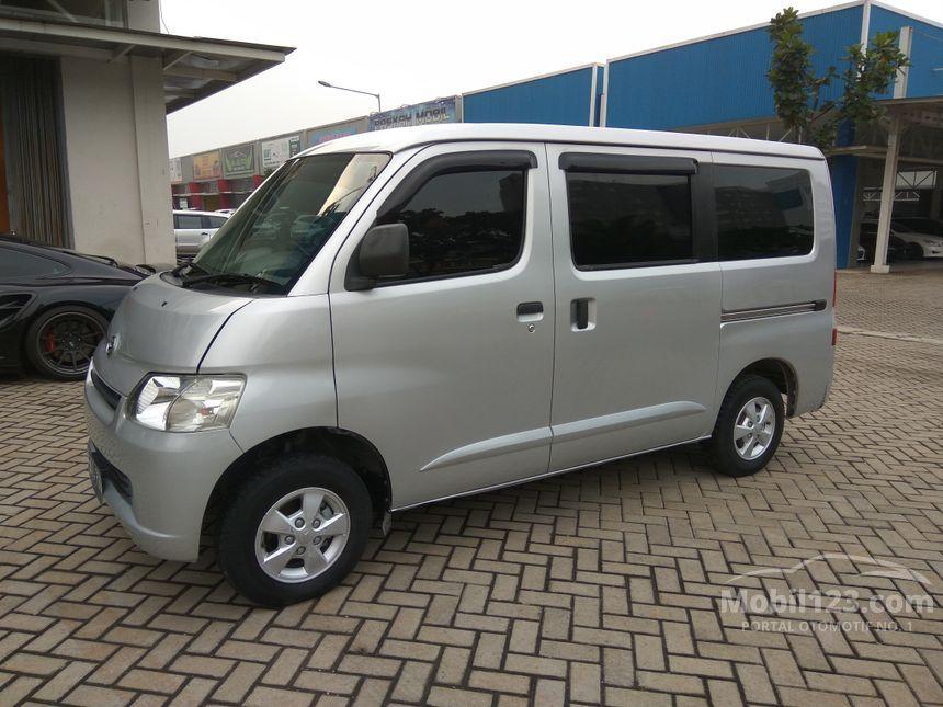 jual mobil daihatsu gran max 2012 1 3 di banten manual mpv minivans silver rp. Black Bedroom Furniture Sets. Home Design Ideas