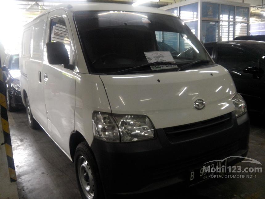2013 Daihatsu Gran Max MPV Minivans