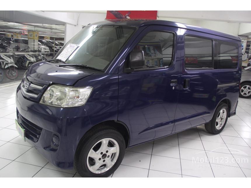 2009 Daihatsu Luxio D MPV
