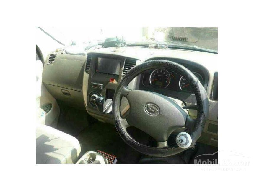2010 Daihatsu Luxio D Wagon