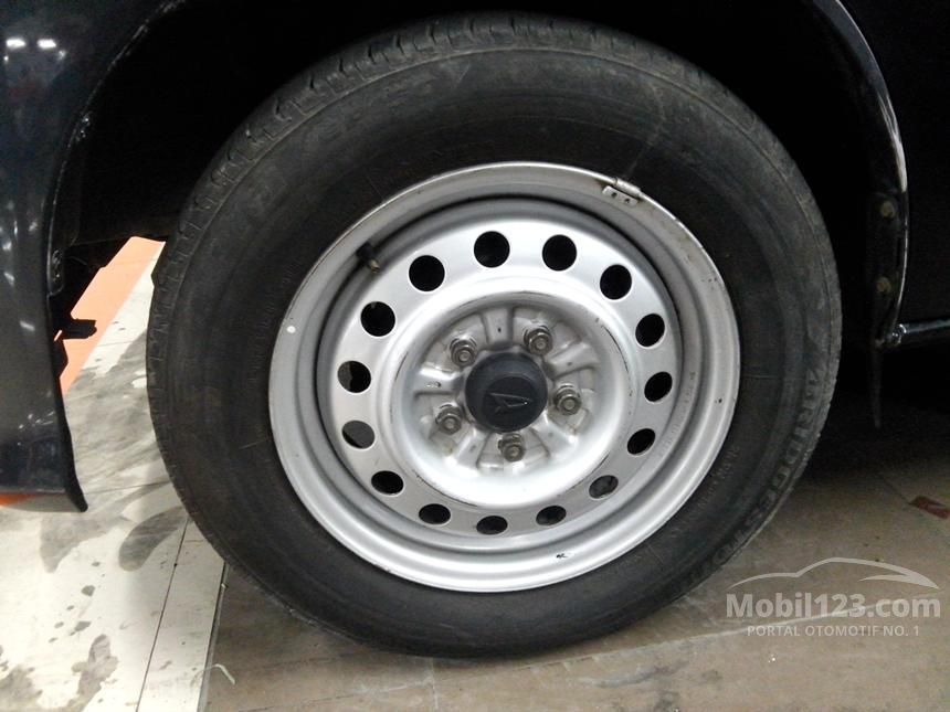 2011 Daihatsu Luxio D Wagon