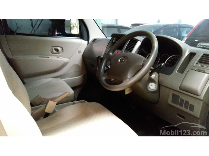 2013 Daihatsu Luxio D Wagon