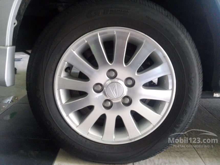 2012 Daihatsu Luxio M Wagon