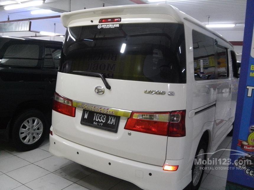 2012 Daihatsu Luxio X Wagon