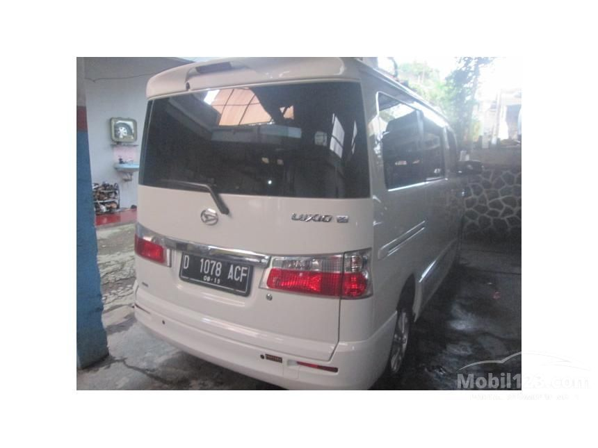 2014 Daihatsu Luxio X Wagon