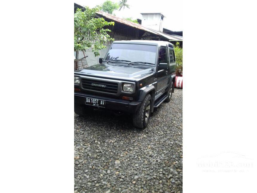 daihatsu taft rocky 1996 2 8 di sumatera barat manual jeep hitam rp 3661903. Black Bedroom Furniture Sets. Home Design Ideas