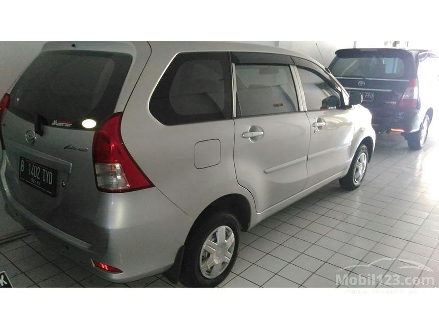 2014 Daihatsu Xenia D STD MPV