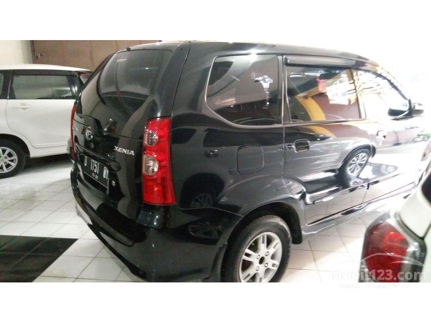 2011 Daihatsu Xenia
