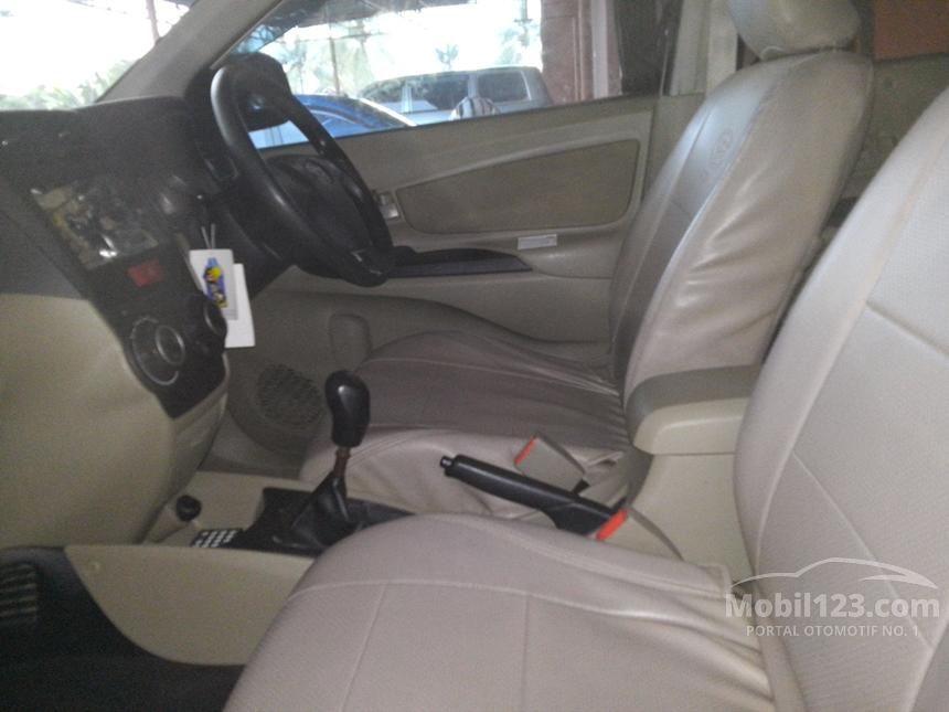 2011 Daihatsu Xenia M MPV