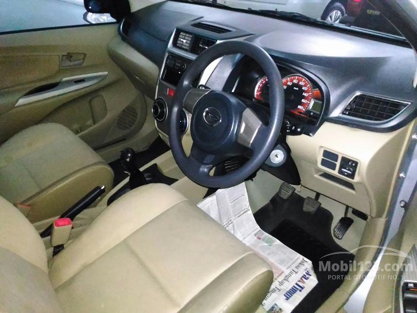 2013 Daihatsu Xenia M STD MPV