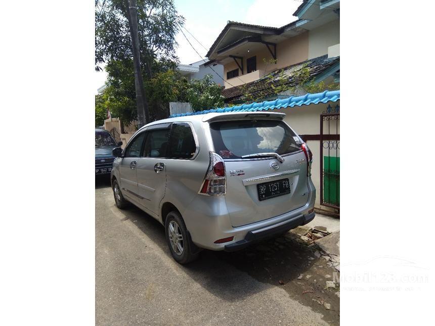 2013 Daihatsu Xenia R ATTIVO MPV