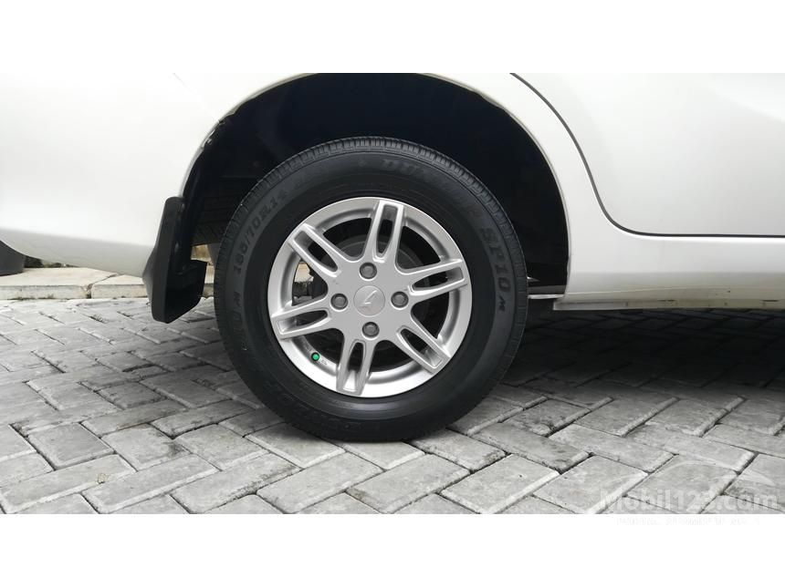 2012 Daihatsu Xenia R MPV