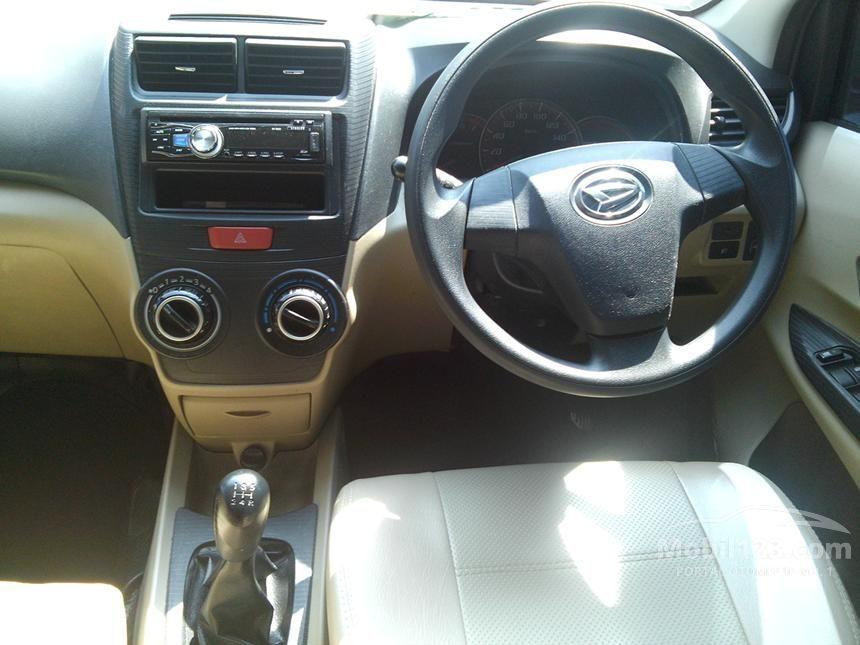 2012 Daihatsu Xenia R STD MPV