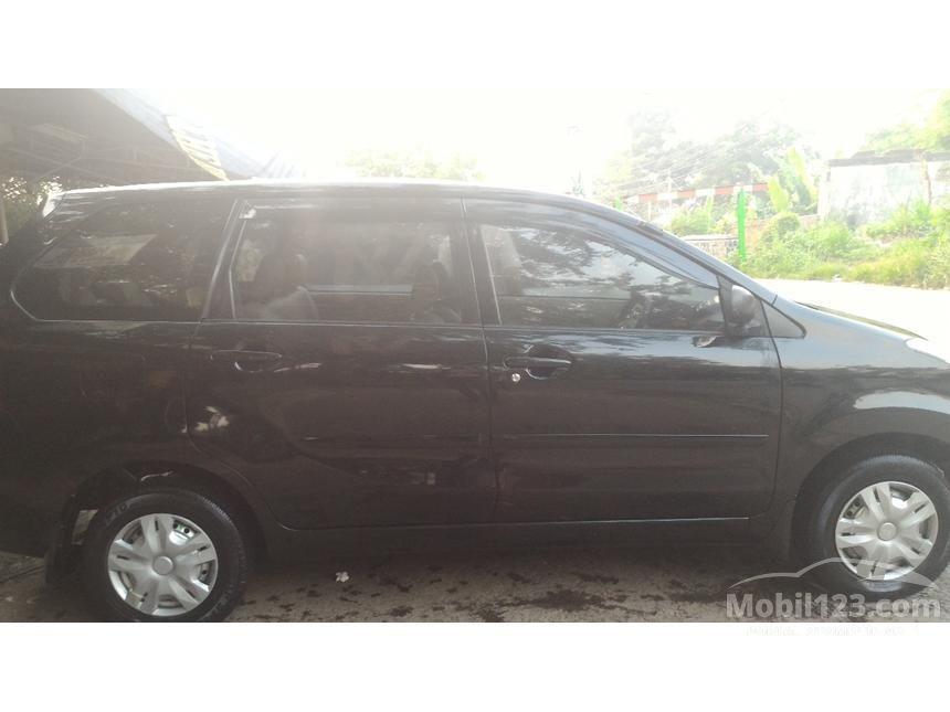 2011 Daihatsu Xenia X STD MPV