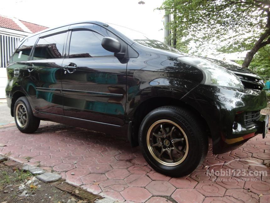 2013 Daihatsu Xenia X STD MPV