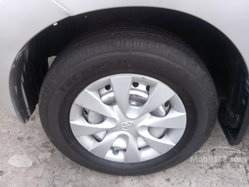 2012 Daihatsu Xenia X STD MPV