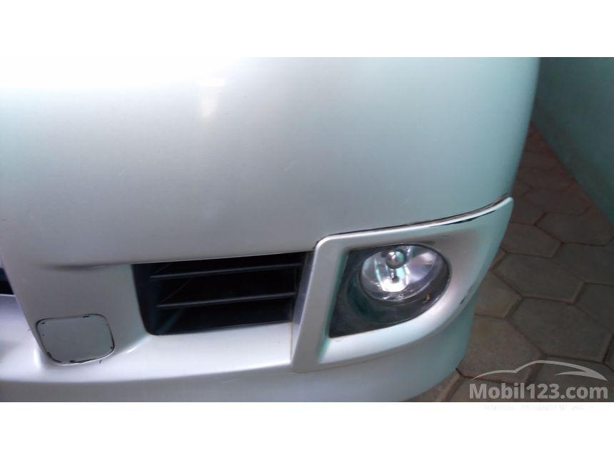 2011 Daihatsu Xenia Xi MPV