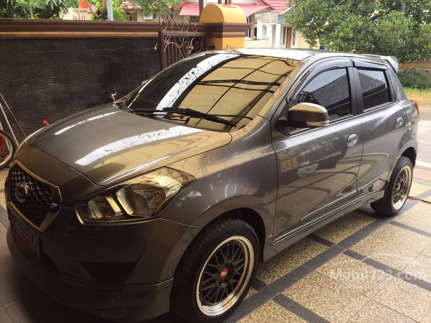 Jual Mobil Datsun GO 2015 T 1.2 Manual Hatchback Abu-abu ...