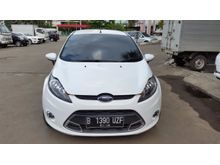 2012 Ford Fiesta 1.6 Sport AT Warna Putih TDP 13.5 JT