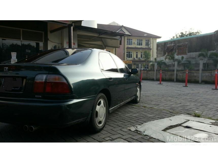 1998 Honda Accord 2.2 Automatic Sedan