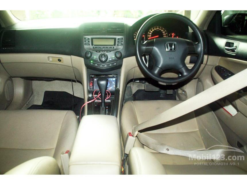 2004 Honda Accord VTi-L Sedan