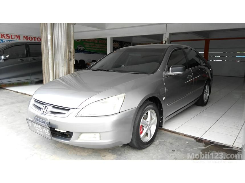 2004 Honda Accord VTi Sedan