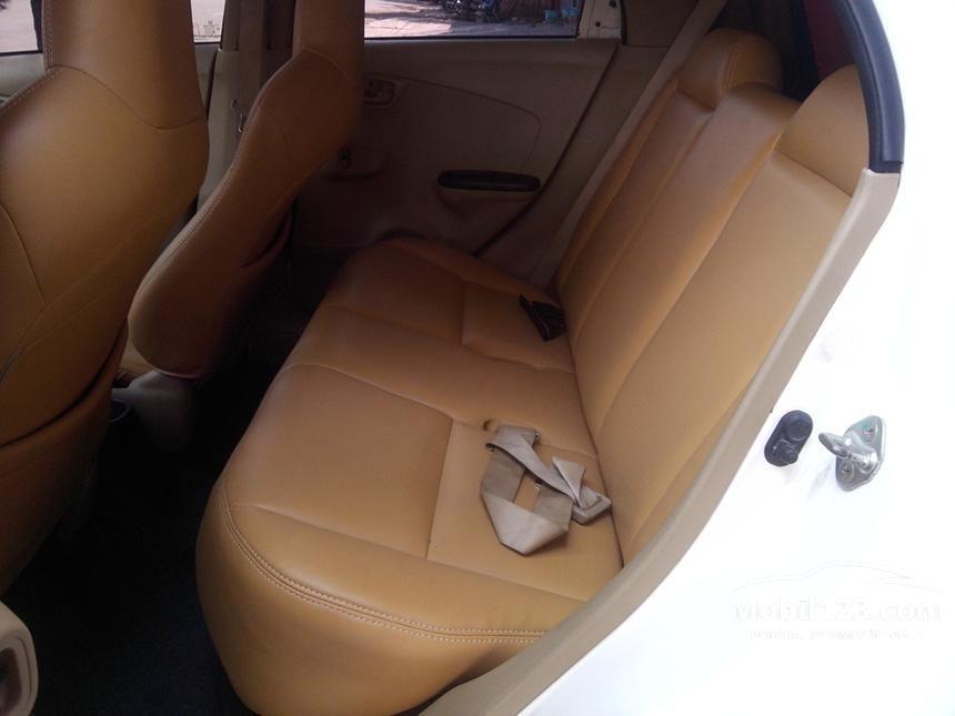 2013 Honda Brio S Hatchback