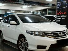 2013 Honda City 1.5 E AT white perfect condition, pajak panjang