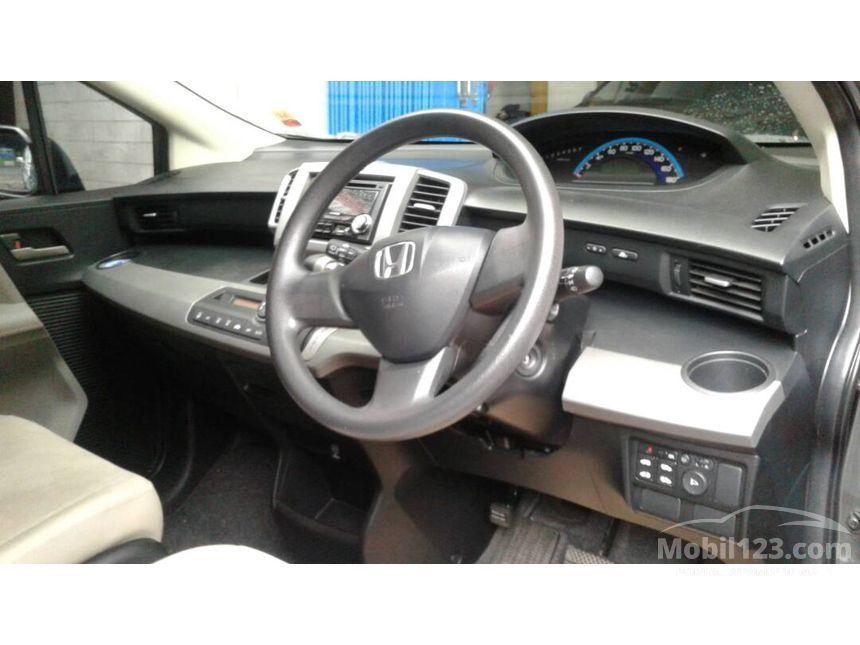 Jual Mobil Honda Freed 2011 1.5 1.5 di Jawa Timur ...