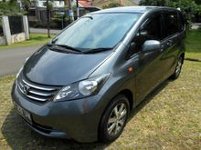 Honda Freed 1.5 PSD 2009 ABU-ABU, DP RINGAN
