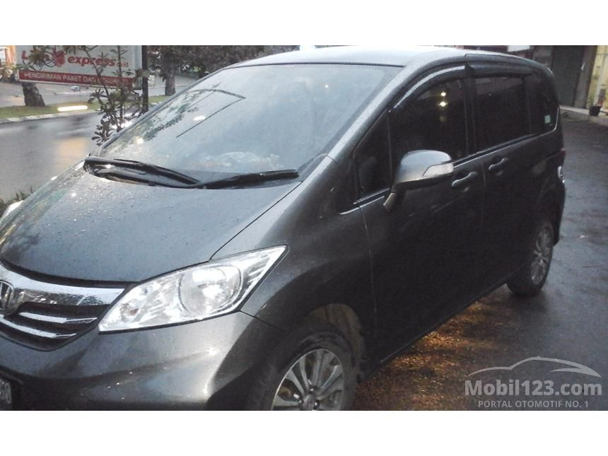 2013 Honda Freed A MPV