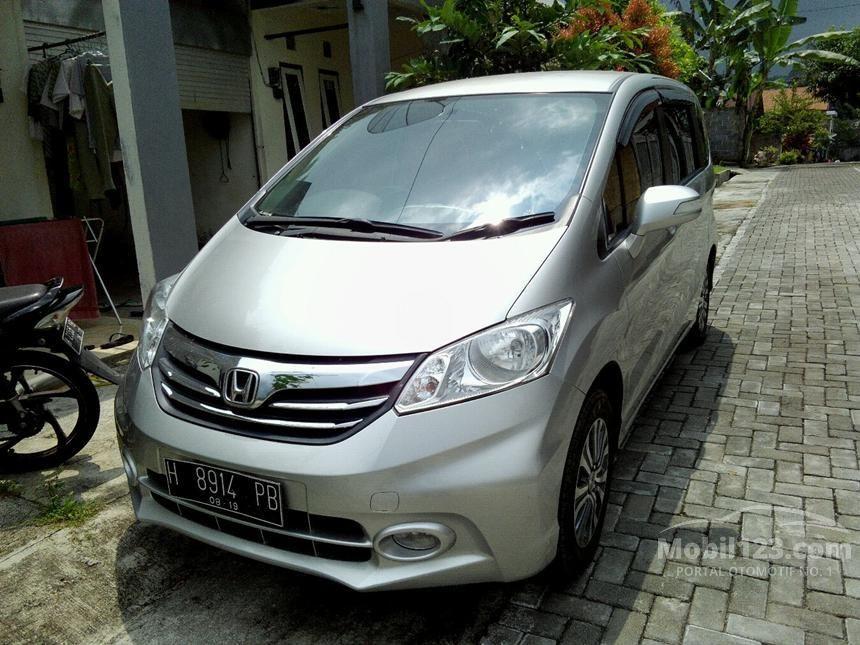 2013 Honda Freed A MPV